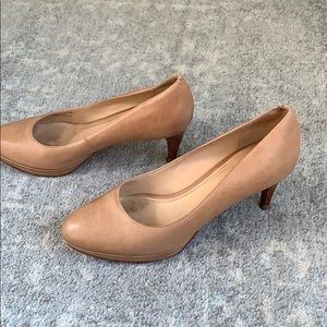 Cole Haan nude Platform pumps, in great condition